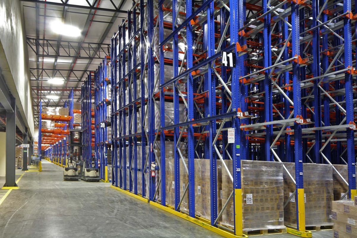 Estanterias economicas para el almacenamiento de productos de papel